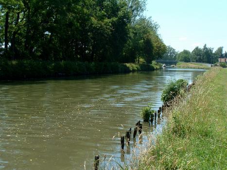 Canal de Roanne à Digoin - Débouché du canal dans le canal latéral à la Loire à Digoin