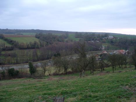 Ardennenkanal zwischen Neuville und Montgon