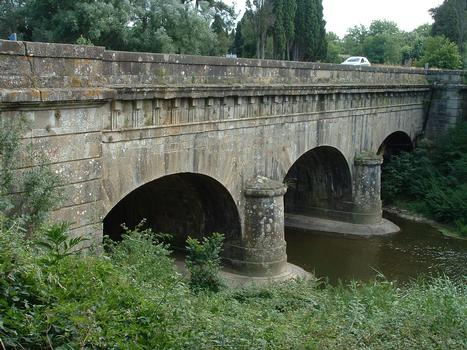 Fresquel Canal Bridge.