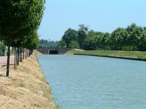 Canal du Nivernais - Saint-Léger-les-Vignes - Entre deux écluses