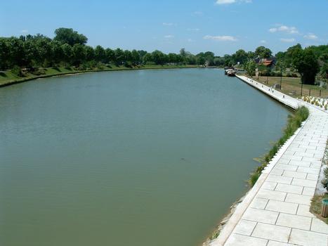 Canal du Nivernais - Saint-Léger-les-Vignes - Halte nautique