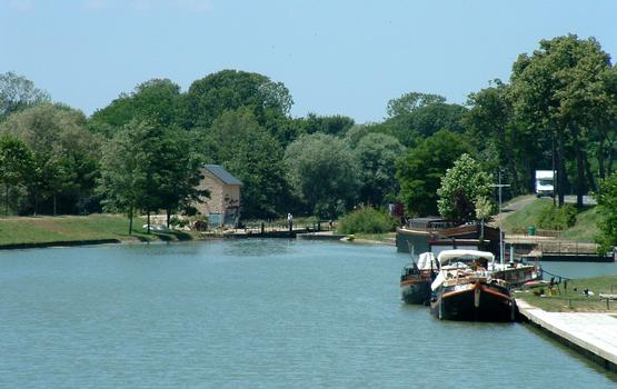 Nivernais-Kanal Saint-Léger-les-Vignes