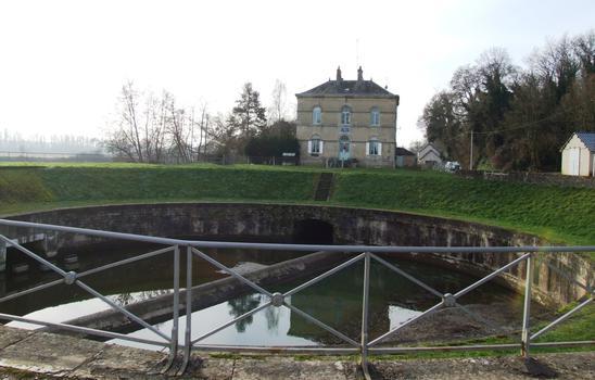 Canal latéral de la Loire - Ecluse ronde des Lorrains