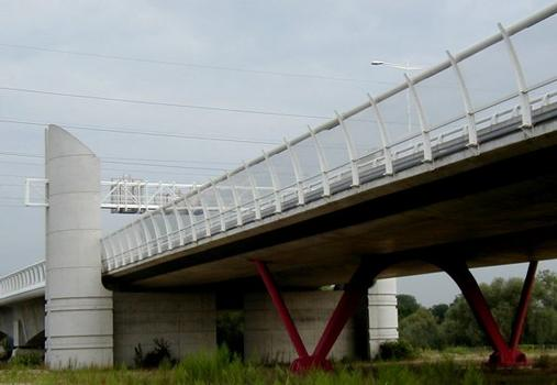 Viaduc de Carrières-sur-Seine (A14).