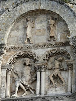 Angoulême - Cathédrale Saint-Pierre : Façade occidentale : partie latérale gauche médiane Démons et damnés