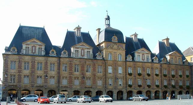 Charleville - Place Ducale - Côté de la place reconstitué suivant les dispositions initiales