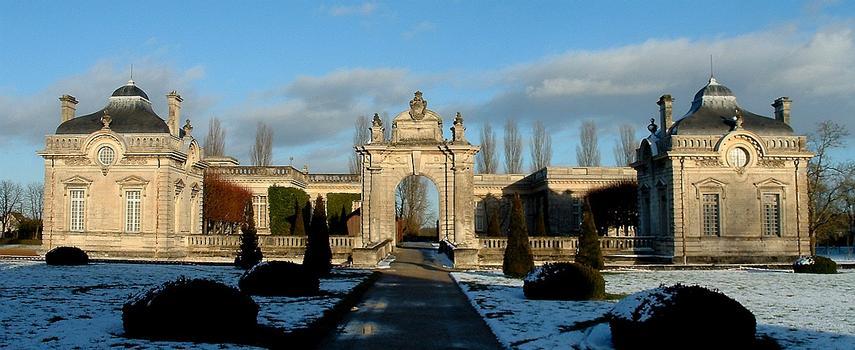 Château de Blérancourt - Musée national de la Coopération franco-américaine  Pavillons de Salomon de Brosse