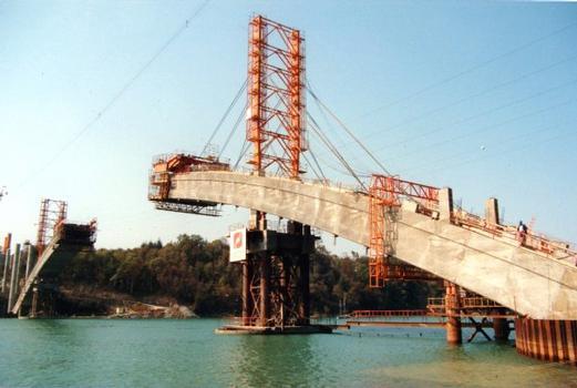 Pont ChateaubriandEnsemble en cours de construction