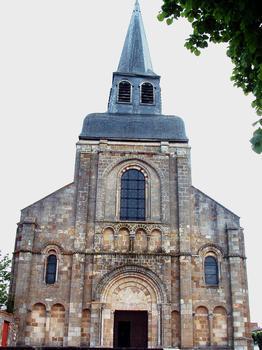 Châteaumeillant - Eglise Saint-Genès - Façade occidentale