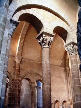 Châteaumeillant - Eglise Saint-Genès - Colonnes de l'abside