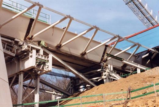 Chavanon-Viadukt –  Zugvorrichtung für den Einschub des überbaus mit der Tarzan-Methode