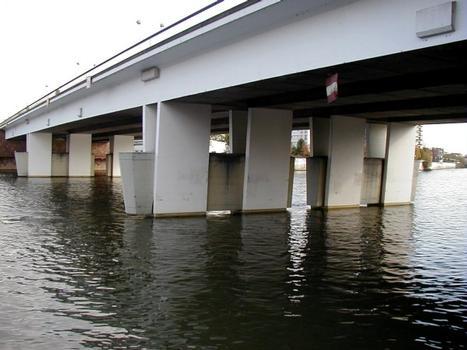 Pont de Choisy-le-Roi. Pont vu de l'aval