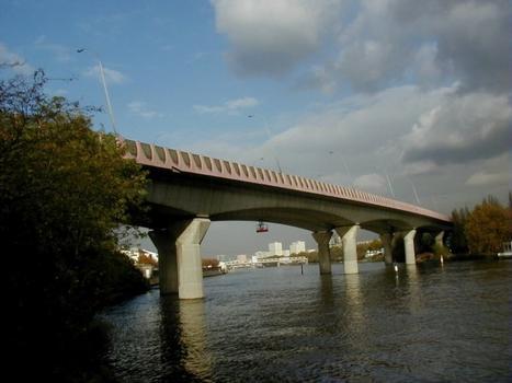Pont sur la Seine à Choisy-le-Roi (A86)