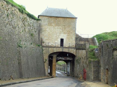 Citadelle de Montmédy - Deuxième porte avec ponts-levis vue de la troisième porte