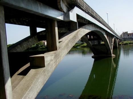 Pont de Clairac sur le Lot