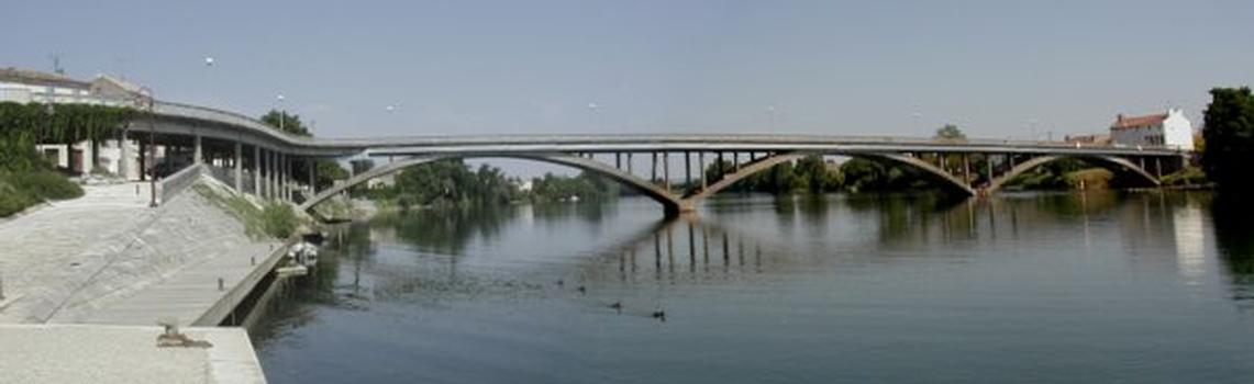 Pont de Clairac sur le Lot.Ensemble