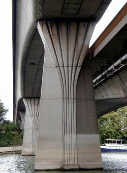 Pont-métro de Clichy. Pile