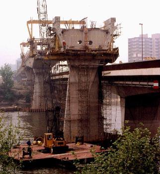 Clichy - Pont RATP en cours de construction