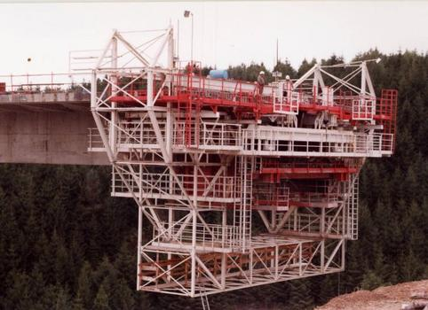 Clidane Viaduct.Mobile equipment for casting