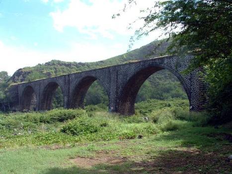 Pont des Colimaçons (Pont Mé), La Réunion. Ravine des Colimaçons