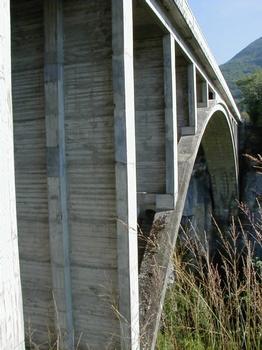 Pont des Pierres Sicht auf den Bogen