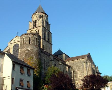 Uzerche - Ancienne abbatiale Saint-Pierre - Vue de l'ouest