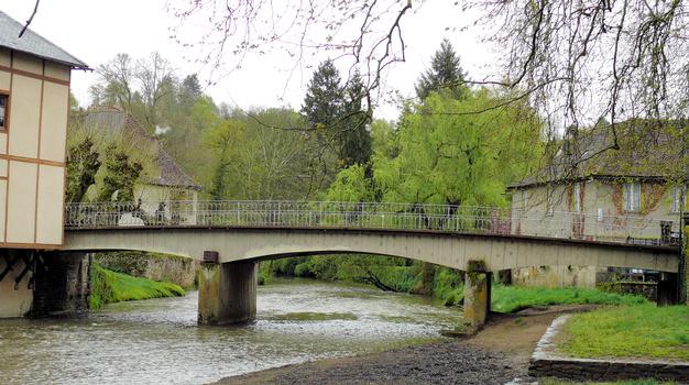 Ségur-le-Château - Pont Notre-Dame sur l'Auvézère