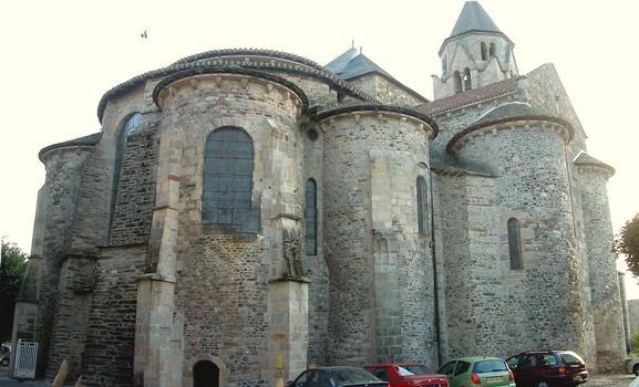 Uzerche - Ancienne abbatiale Saint-Pierre - Chevet construit entre 1070 et 1090