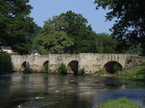 Moutier-d'Ahun - «Römische» Brücke