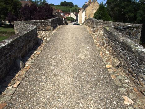 Chambon-sur-Voueize - Vieux pont