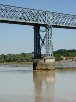Road Bridge at Cubzac-les-Ponts