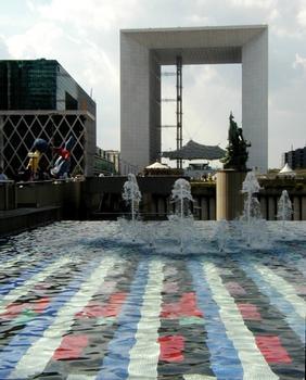 Paris-La Défense.Fontaine Agan, La Grande Arche