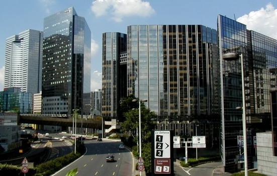 Paris-La Défense: Buildings Les Saisons, Les Miroirs, Tour Kvaerner, Tour Descartes and the Ring Road around La Défense