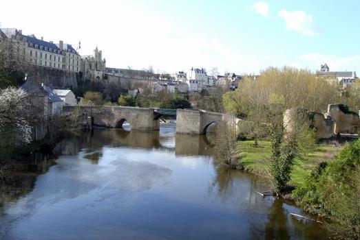 Thouars - Pont des Chouans