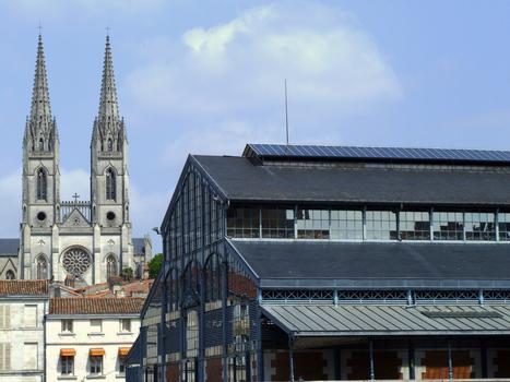 Niort - Markthalle & Kirche Saint-André