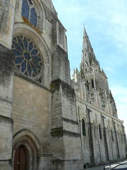 Saint-Maixent-l'Ecole - Eglise Saint-Maixent - Transept et clocher