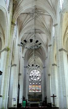 Saint-Maixent-l'Ecole - Eglise Saint-Maixent (ancienne abbaye) - Nef: vaisseau central