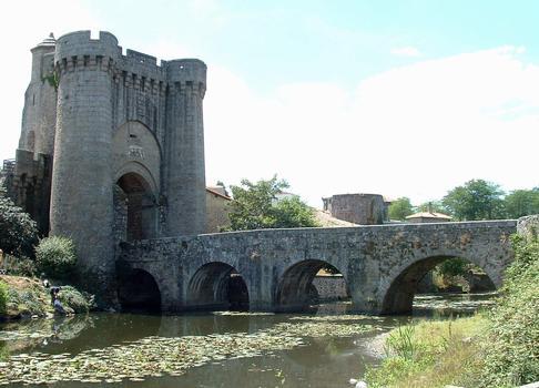 Saint-Jacques-Brücke, Parthenay