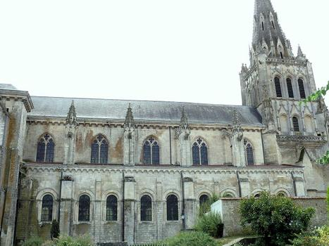 Saint-Maixent-l'Ecole - Eglise Saint-Maixent (ancienne abbtiale) - Nef: extérieur