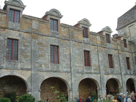 Saint-Jean-de-Côle - Château de La Marthonie - Aile du 17ème siècle