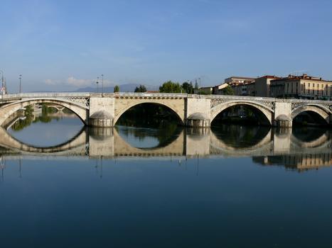 Romans-sur-Isère - Pont-Vieux