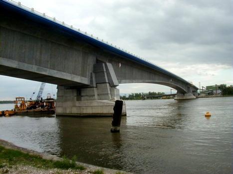 Bridge over the Rhine between Eschau and Altenheim