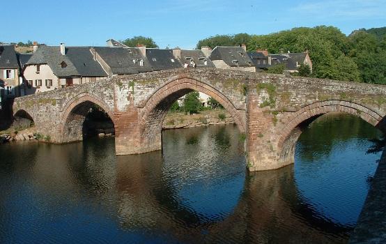 Espalion - Pont Vieux - Vu de l'aval