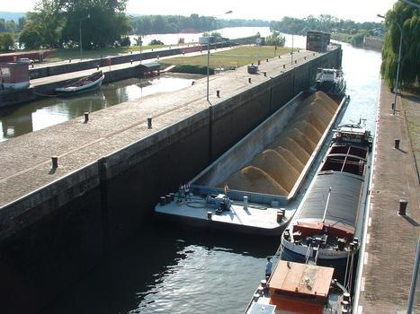 Ecluses d'Amfreville sur la Seine - Vue de l'amont - 1
