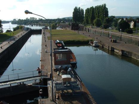 Ecluses d'Amfreville sur la Seine - Côté amont - Les deux écluses