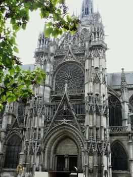 Evreux - Cathédrale Notre-Dame - Façade du bras nord du transept par l'architecte Jean Cossart (payé en 1504)