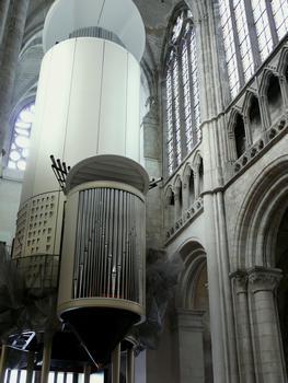Evreux - Cathédrale Notre-Dame - Grand orgue de 16 pieds en montre, construit par Pascal Quoirin (53 jeux, 4 claviers de 56 notes, pédalier de 32 marches). Buffet de Bruno Decaris, architecte en chef des Monuments Historiques. Inauguration du 14 septembre au 28 octobre 2007