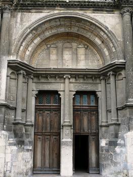 Evreux - Cathédrale Notre-Dame - Façade occidentale. Portail d'entrée construit par l'évêque Claude de Sainctes [1575-1591]