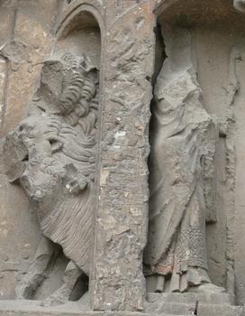 Evreux - Eglise Saint-Taurin - Portail méridional: scènes de saint Taurin - Détail
