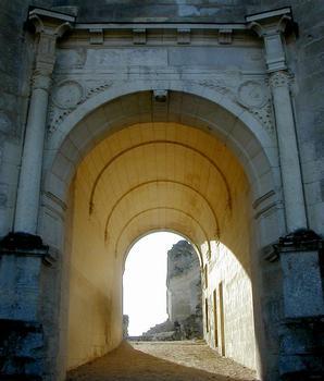 Fère-en-TardenoisEntrée du château
